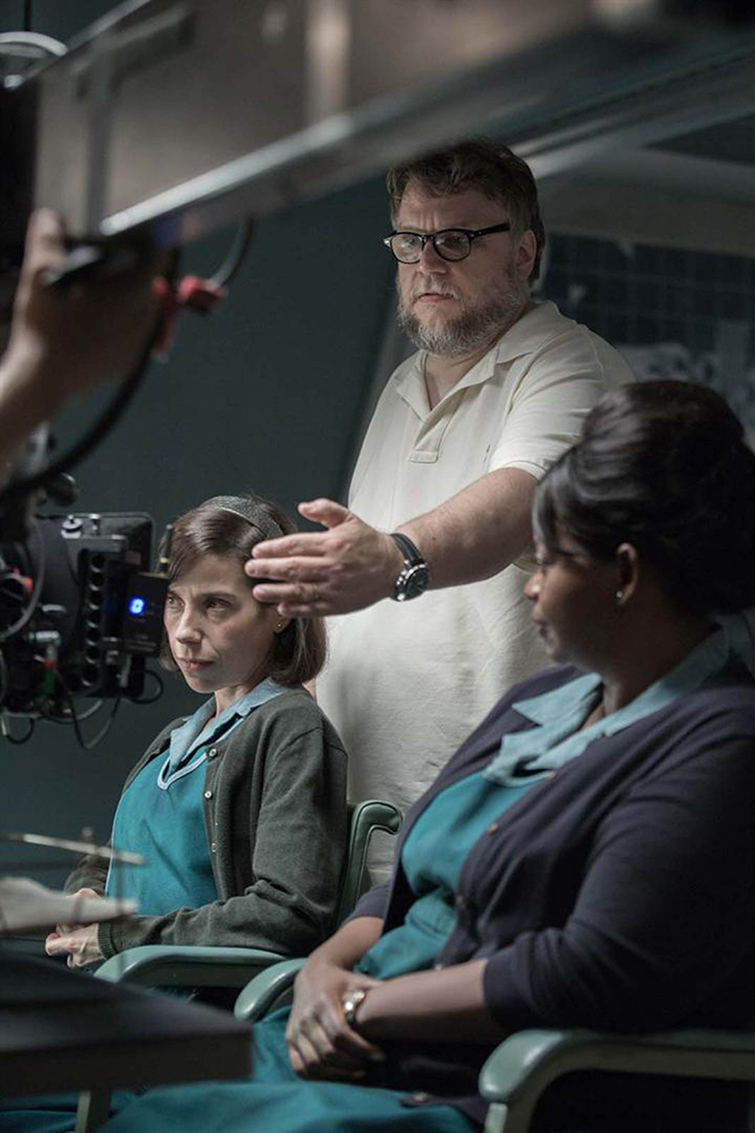 The Cameras and Lenses Behind 2018 Oscar-Nominated Films - Shape of Water Del Toro