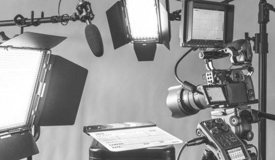 Video Gear: Quick and Easy 3-Point Lighting Bundles