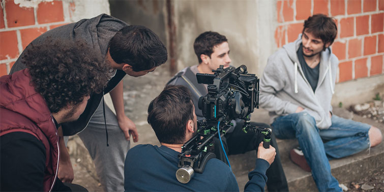 5 Reasons Why You Should Apply to Filmmaker Workshops and Labs — Connections