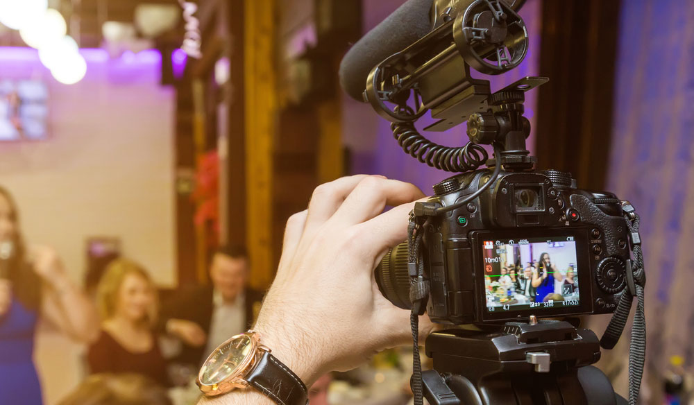 7 Tips for Shooting Event Video and Photography at the Same Time