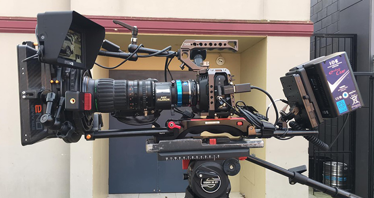Building a Low Budget Handheld Rig for the Blackmagic Pocket Cinema Camera 4K - Super Rig