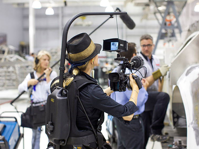 5 Essentials Tools for Your Documentary Camera Package — Easyrig