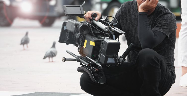 Tips for Getting the Smoothest, Most Reliable Handheld Footage — Shoulder Rig