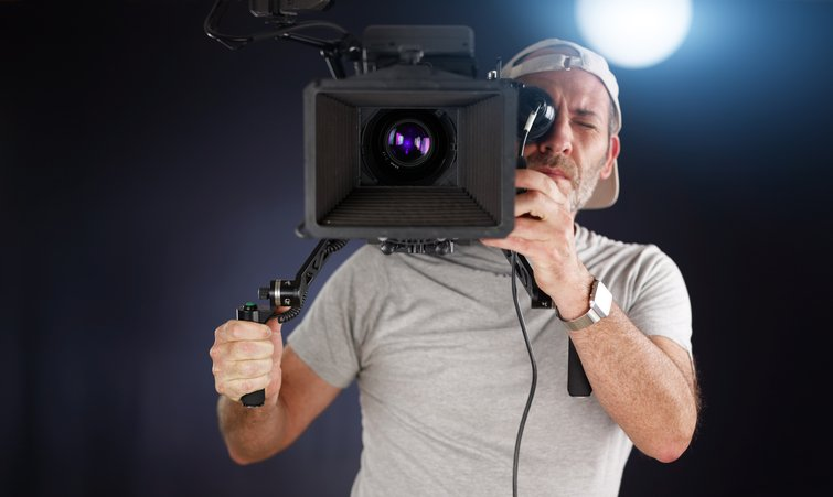Tips for Getting the Smoothest, Most Reliable Handheld Footage — Shoulder Mounted Camera