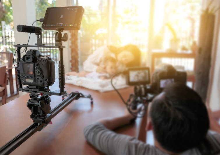 A Guide to Shooting Interviews as a One-Person Crew — Securing the Shot