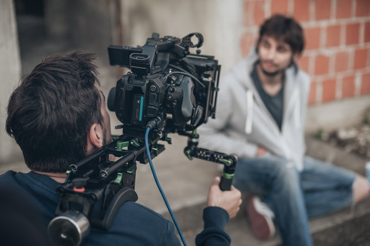 A Guide to Shooting Interviews as a One-Person Crew — Camera Shoot