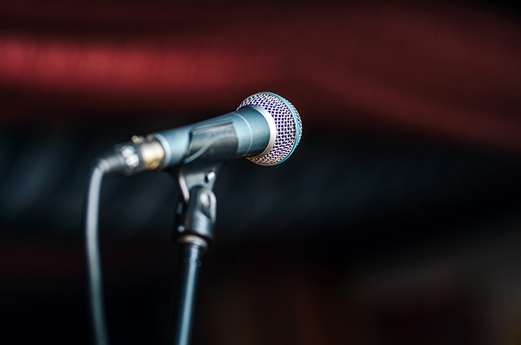 The Best Microphone Setups for Every Type of Podcaster — Dynamic vs Condenser Mics