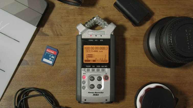 Audio Recorder with Built-in Microphone