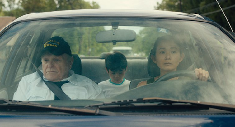 Brian Dennehy, Hong Chau, and Lucas Jaye in Driveways