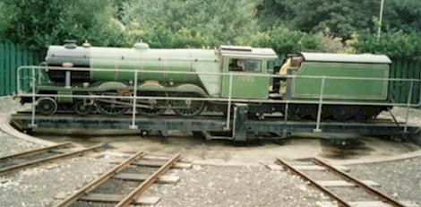 railwayTurntableEngine jpg