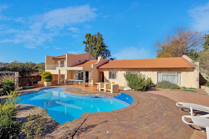 8 Properties and Homes For Sale in Olivedale, Randburg