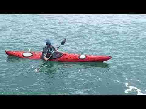 Edging a turn in your sea kayak with Olly Sanders