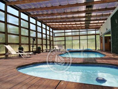 Duplex con piscinas a una cuadra de la playa