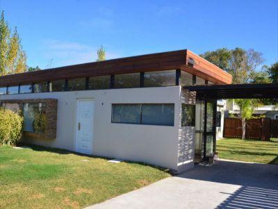 Arenisca - Casa 3 dormitorios.