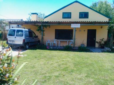 Casa Amarilla Grande Valizas