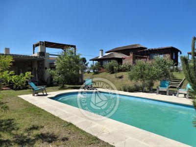 Josephine y TK pool House Venta