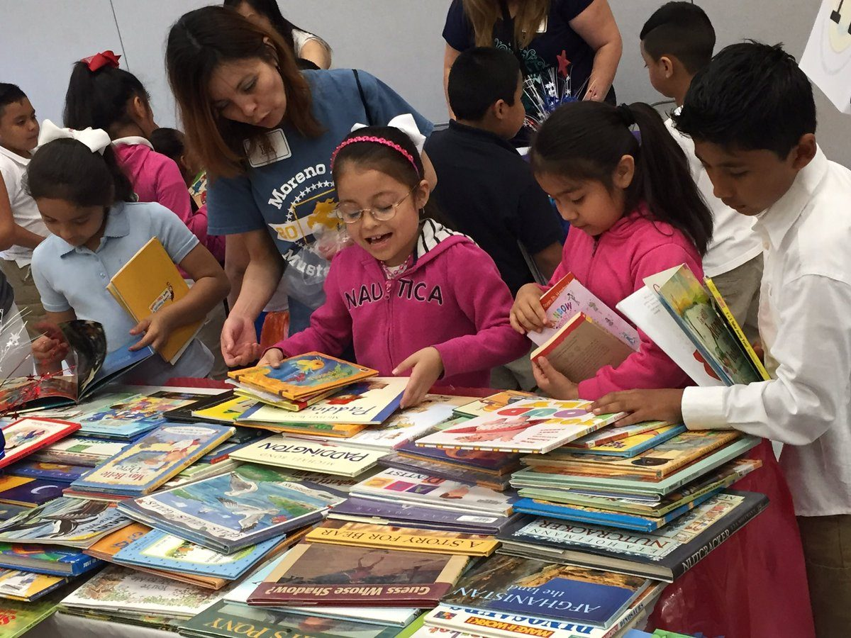 Children Choosing Free Books