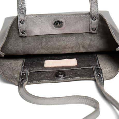 Everywear tote metallic leah lerner 900x900 inside