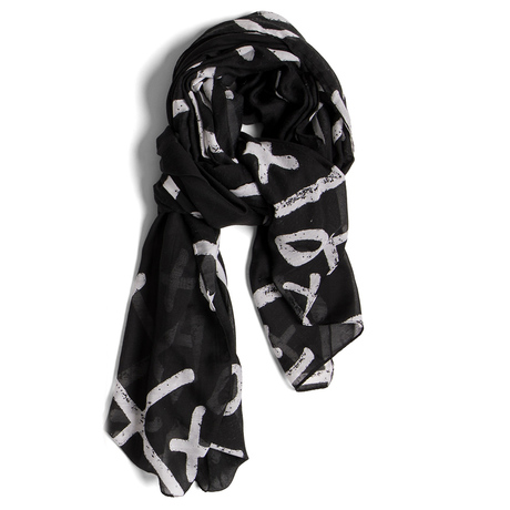 Tic tac toe scarf laydown cropped 1000x1000