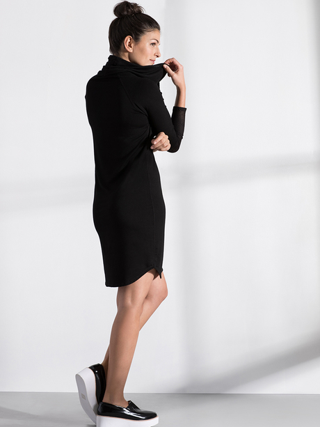 Katie dress black 900x1200 side2