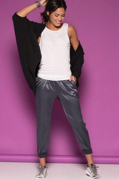 Chantal jogger steel onmodel3