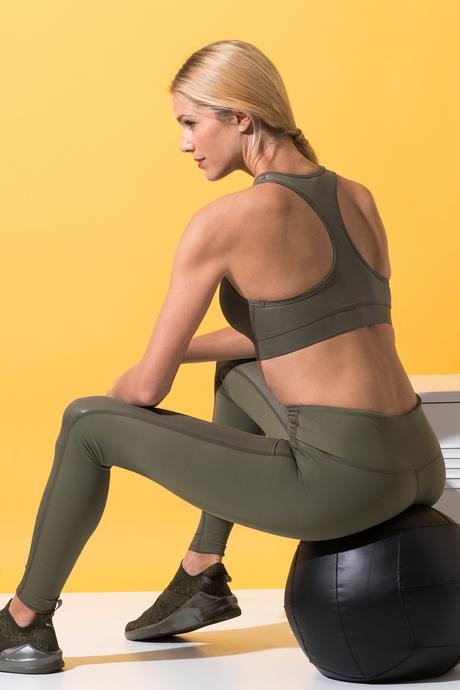 Paola yoga bra olive 2