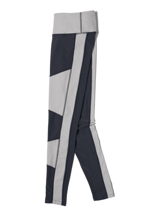 Recharge legging steel pinup