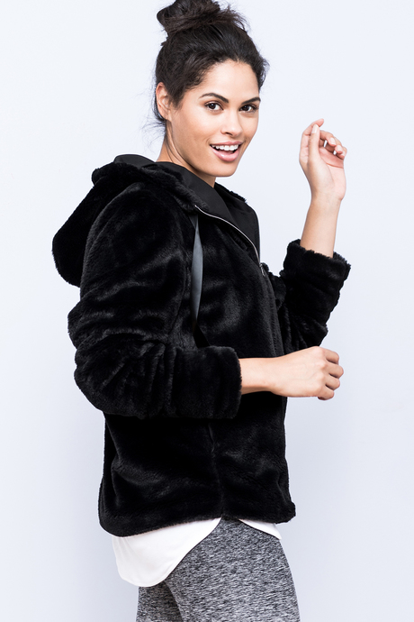 Polar hoodie black side