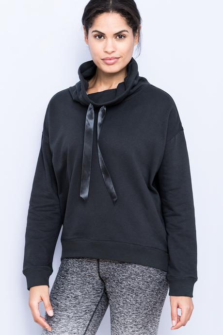 Sofia sweatshirt black front