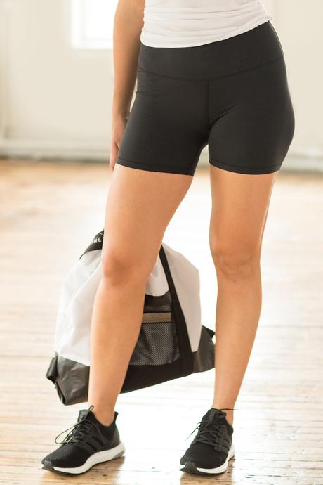 Barre workout short front