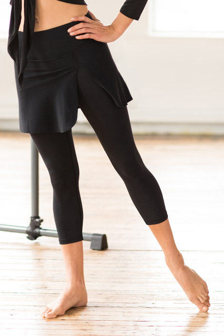 Barre skirted capri front