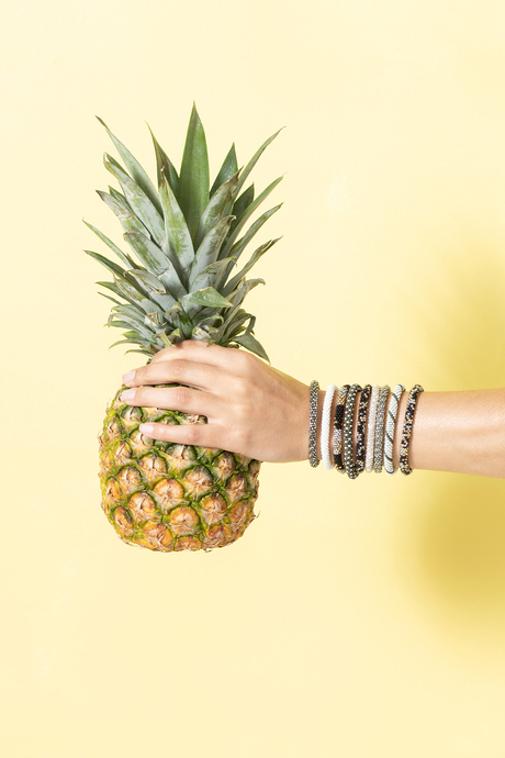 Sp19 ecommimages beadedbraceletstack whitemossgreen pineapple