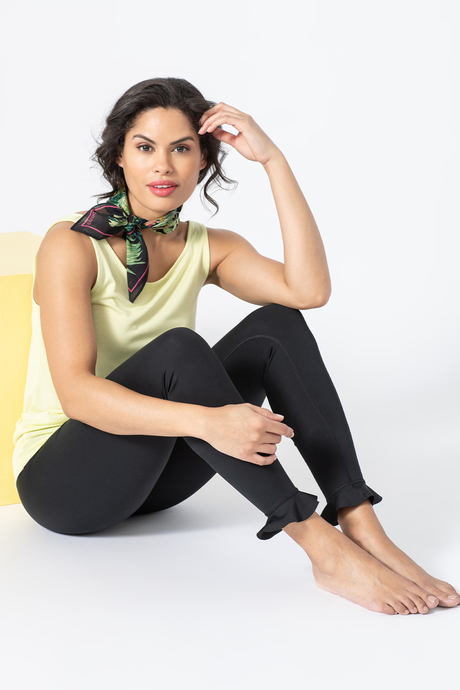 Sp19 ecommimages tropicalescapescarf outfit