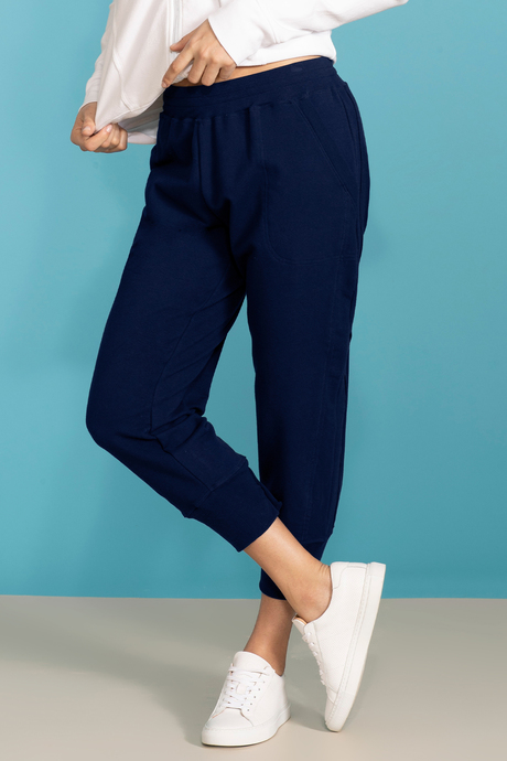 Su19 ecommimages reyacroppedjogger navy front