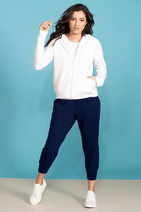 Su19 ecommimages reyacroppedjogger navy outfit