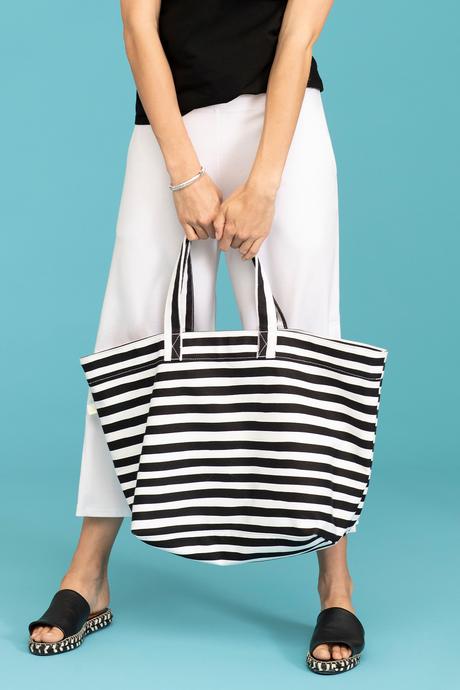 Shorelinetote blackstripe outfit