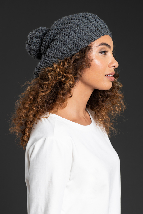 Wi19 ecommimages chunky knit beret gray