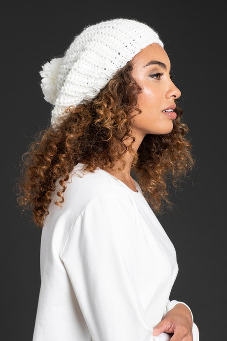 Wi19 ecommimages chunky knit beret white