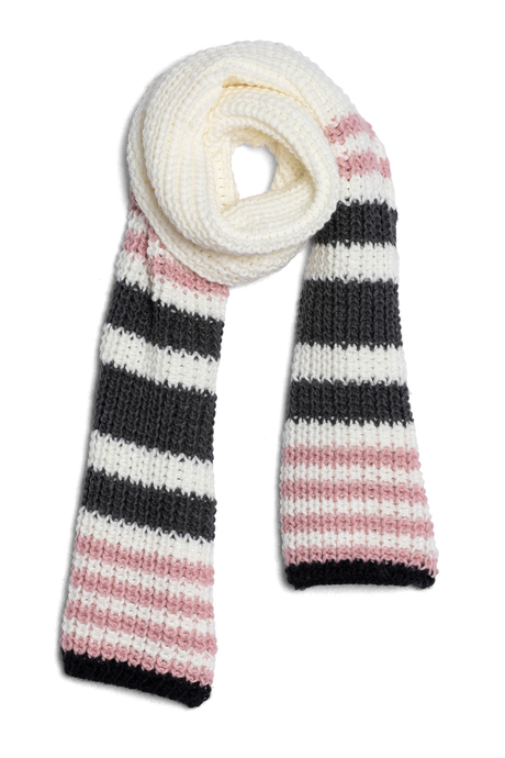 Wi19 ecommimages chunkyknitscarf 3