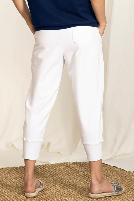 Su19 ecommimages reyacroppedjogger white back