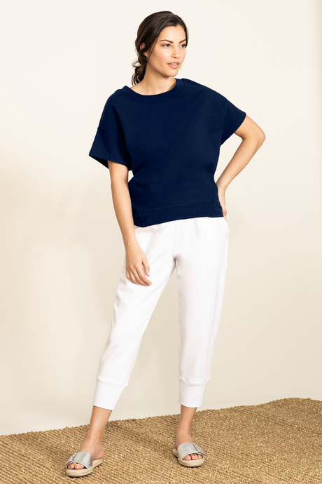 Su19 ecommimages reyacroppedjogger white outfit