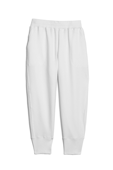 Su19 ecommimages reyacroppedjogger white pinup