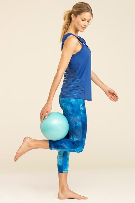 Su19 ecommimages santotank blue outfit