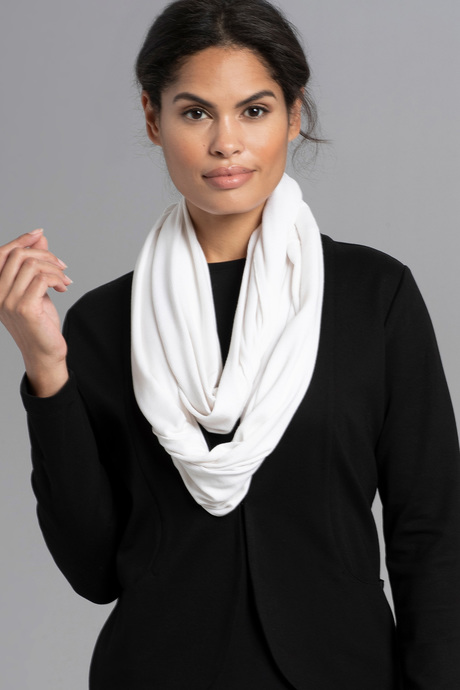 Infinityscarf white front