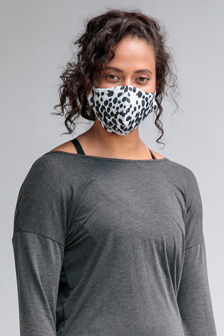Facemask dalmation front