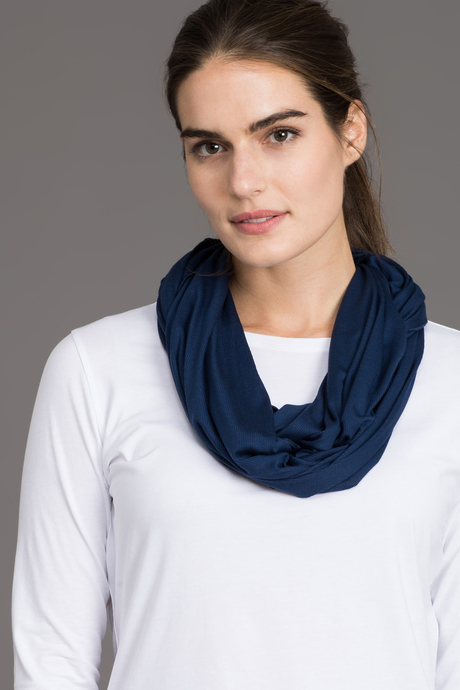 Infinity scarf navy front