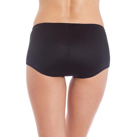 P032 captivating girl short black bottom back cropped 600x600