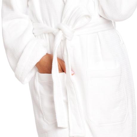 Robe white peach 0660 head to toe copy closeup 600x600 frontpocket