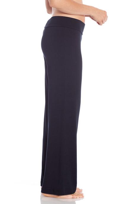 Copy of p005 black pants side 20140723 retouched cropped 600x900