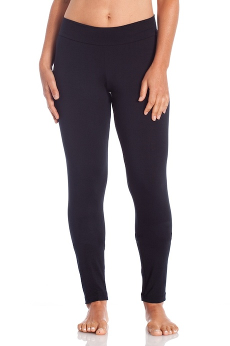 Copy of p006 black relaxed legging front 20140723 retouched cropped 600x900